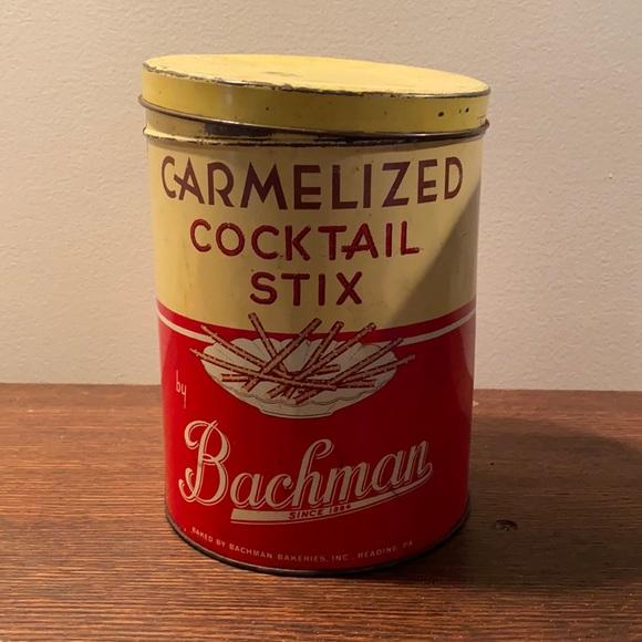 vintage bachman pretzel tin 🥨